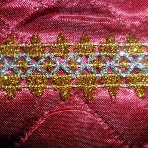 Тесьма № 12 золото с серебряным ромбом